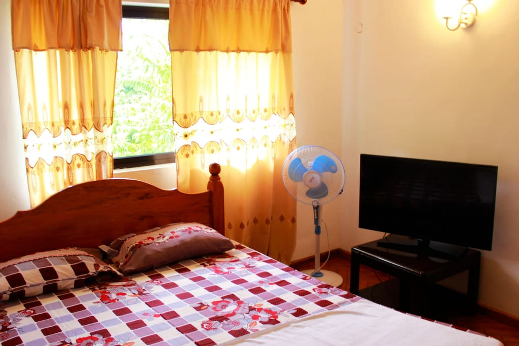 The bedroom,with double bed.