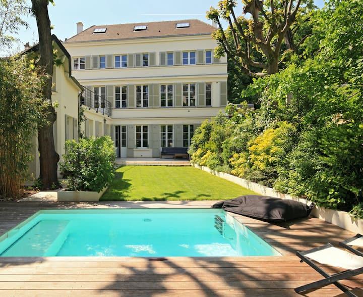 Maison exceptionnelle 350m2 avec jardin et piscine