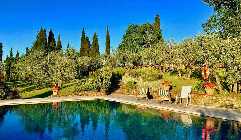 Suite for 2 in Tuscan farm with swimming pool