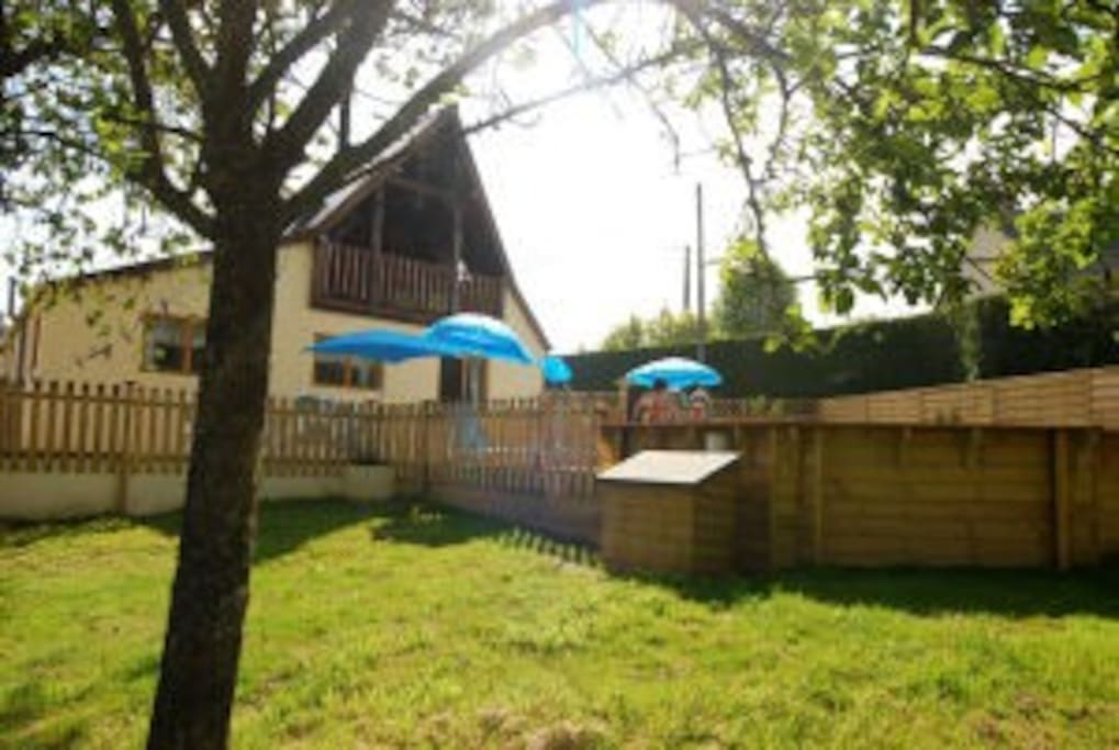 There is plenty of room outside to enjoy the Normandy weather and the property also boasts 2 balconies at different levels