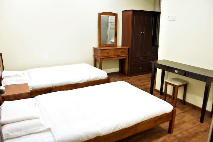 1688 Home~Single Room