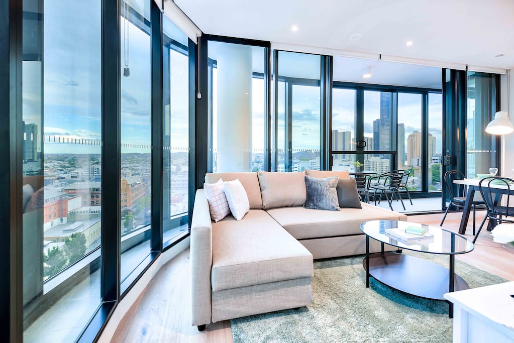 Stunning Apartment Infinity Pool Gym Apartments For Rent In Fortitude Valley Queensland