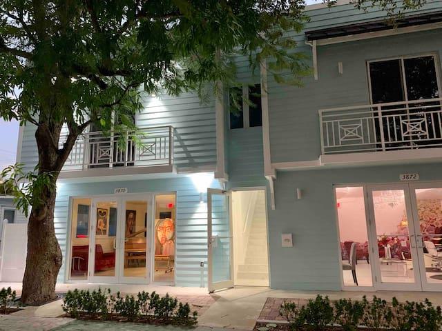 Miami Room by Merrick Park Mall