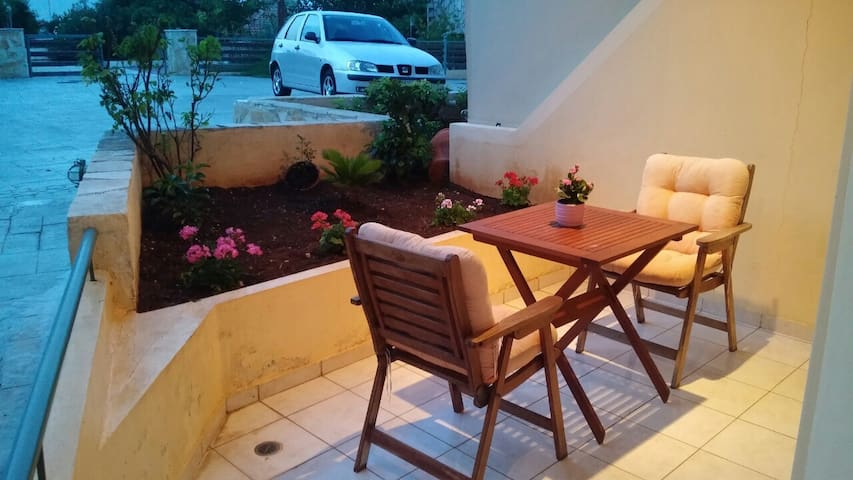 Apartment in Sykia near the beach