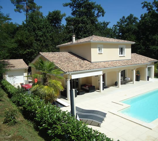 Nice studio with swimming pool near bordeaux - Baron - Villa