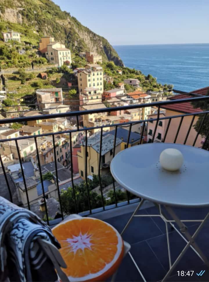 IL MELOGRANO + Appartamento con cucina Riomaggiore