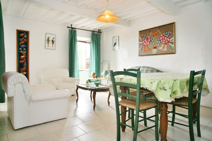 Holiday house Carpe Diem Colognora Di Pescaglia Green apartment