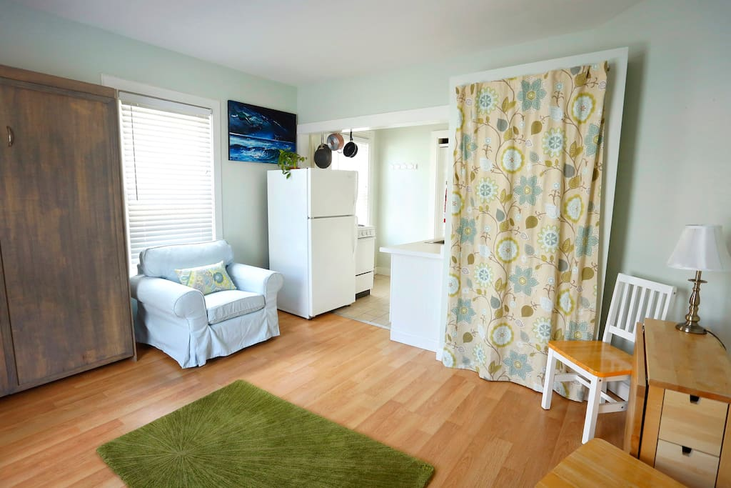 Cute Studio Minutes from Downtown - Apartments for Rent in ...
