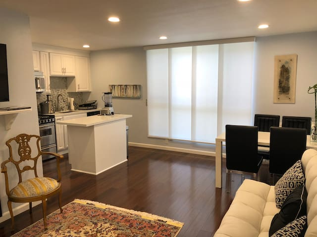 Prime Los Angeles, CA Vacation Rental - Brentwood