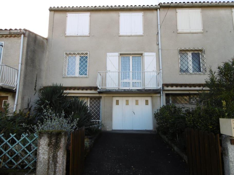 Casa familiar en carcasona casas en alquiler en carcasona languedoc rosell n francia - Casas de alquiler en francia ...