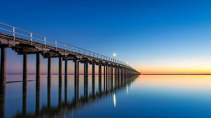 PIER ONE - OCEAN VIEW APARTMENT HERVEY BAY