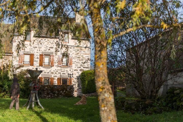La Grange Haute, location de vacances en Aubrac
