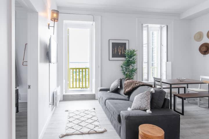 Manoir des Remparts- Renovated 3 Bedroom Oasis