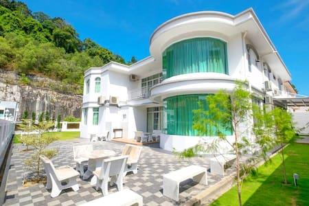 44 Pax 12 Room New Bungalow @ Tanjung Bungah - Tanjung Bungah - Ev