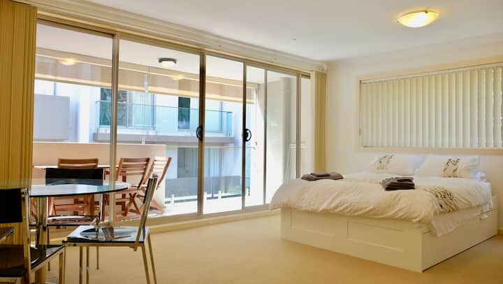 Manly Studio 2 Minutes From The Beach