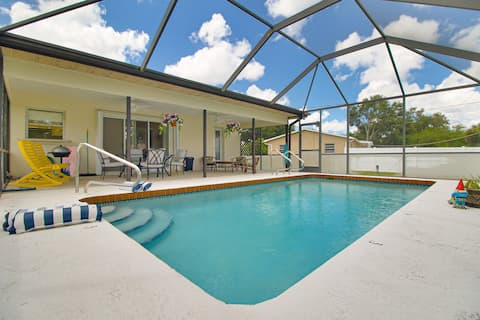 Flip  Flops & Pool Home 🌴Getaway