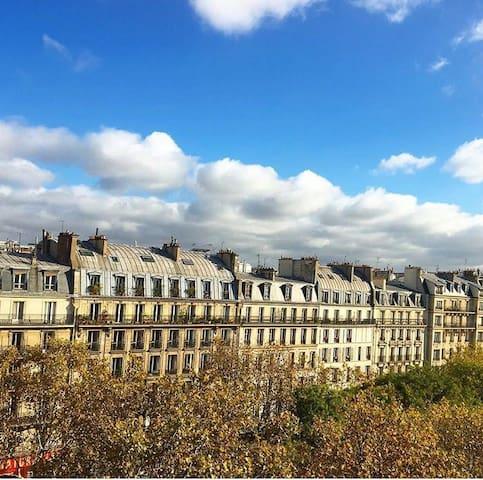 Parisian Studio in a Hausmannien Building