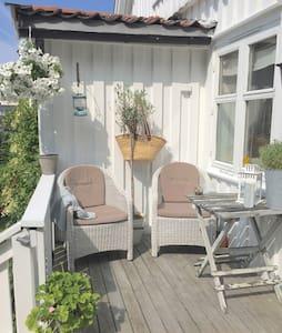 Få sommerfølelsen i Sandefjord - Dům