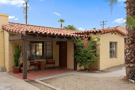 Spanish Bungalow, private heated pool and hot tub