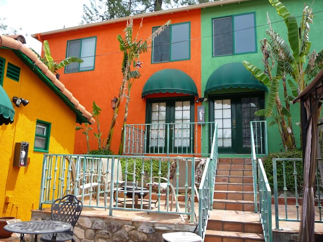 Pvt. Hacienda in Pet Friendly Tropical Estate - ロサンゼルス - 別荘
