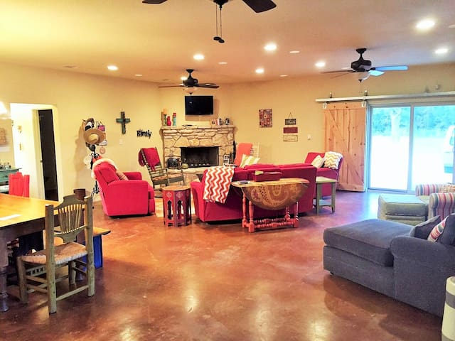 Lake House and Ranch House in One! - Weatherford - Casa