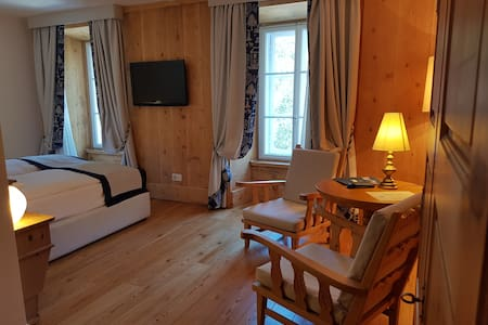 Comfort Room - Samedan