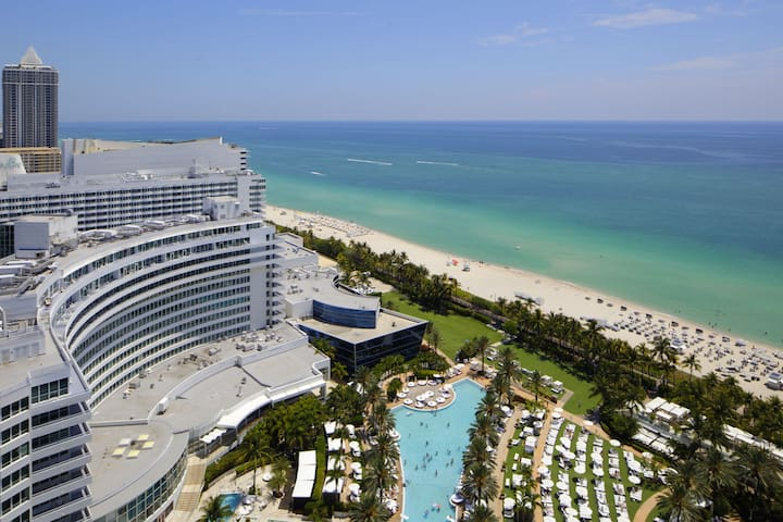 FONTAINEBLEAU HOTEL Oceanview 26th Fl 1 Bd Suite