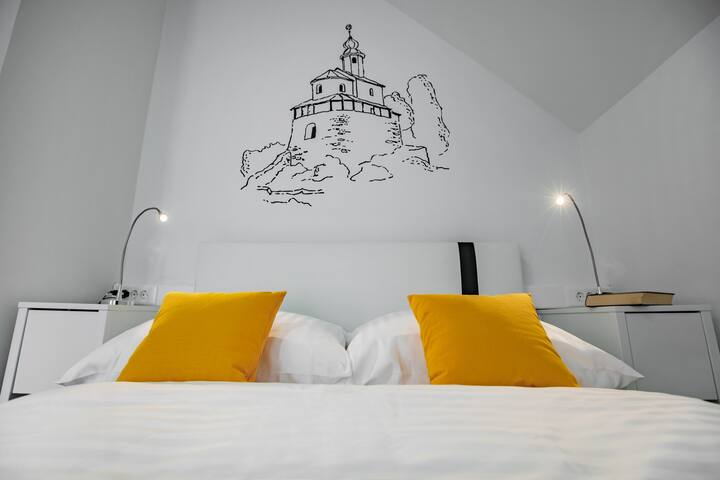 Mali Grad Bedroom - House of Adventure