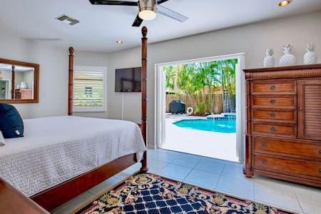Pineapple House | Private 3BR Home & Swimming Pool