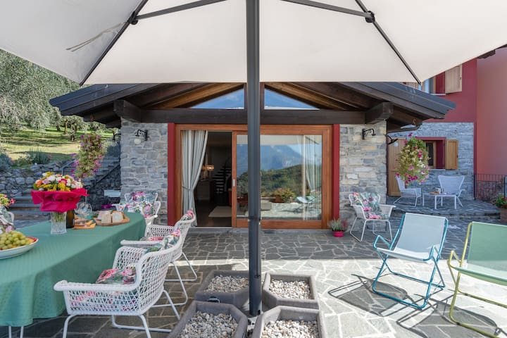 Villa Silvi Exclusive pool & hot tub Lake  view