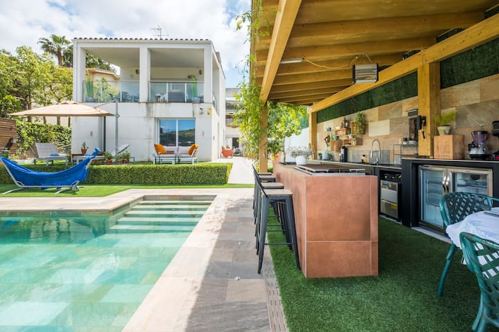 Available Suites at home with private pool