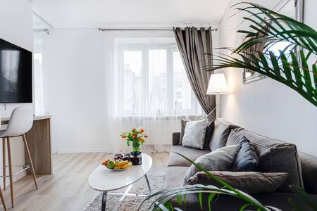 Cozy stylish apart. close to Old Town by Houseys