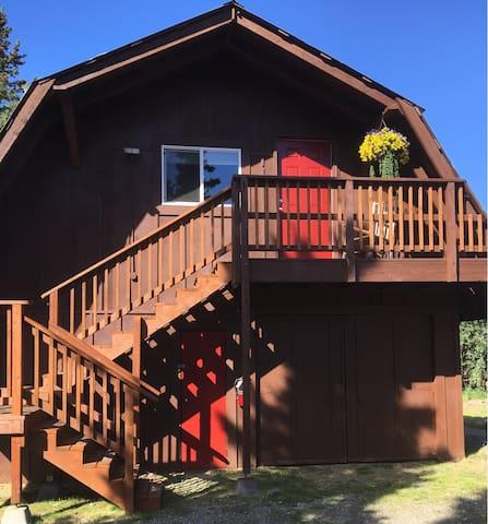 Carlo Creek Loft - McKinley Creekside Cabins
