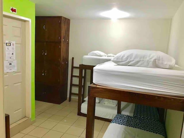 Hostal Casa Huasteca Dormitorio:habitación para 4