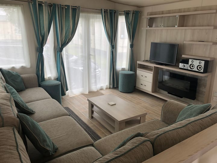 D8 Luxury 2 bed holiday home 5* Sand Le Mere