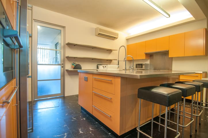 Orchard Studio w Awesome Kitchen Emerald Hill Rd#8