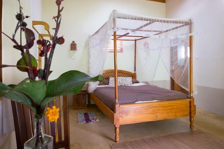 Natural Mystic Sanctuary@Rainforest - Matara - Oda + Kahvaltı