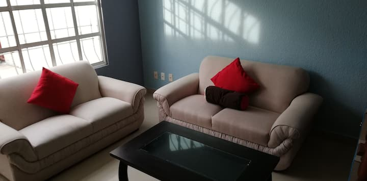 Casa Familiar en Privada, Aeropuerto de Toluca.