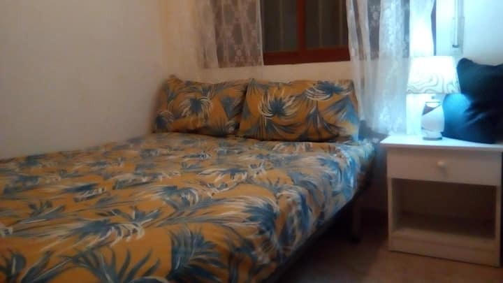 Cozy, Comfy  Double Bed In Central Torrevieja Flat