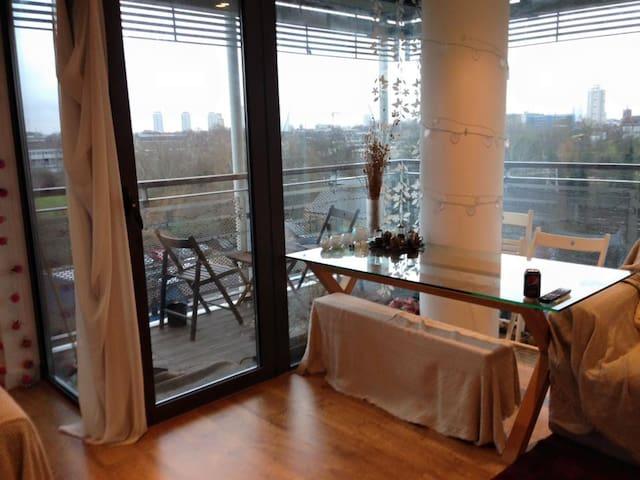 Beautiful Apartment | Mile End | Double room - Lontoo - Huoneisto