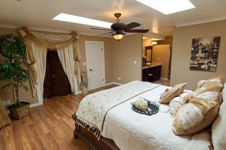 Bel Vino Winery House, Bridal Suite, Temecula CA
