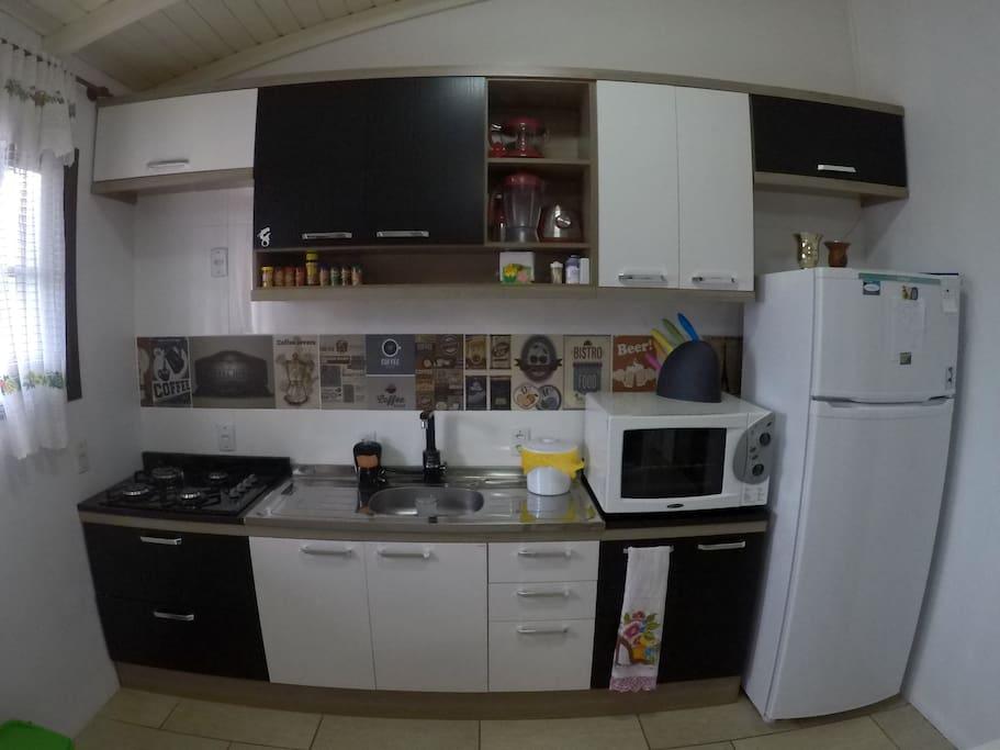Cozinha equipada e super nova.