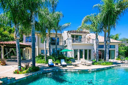 Tuscan Style Malibu Villa w/Pool, Spa, Ocean Views