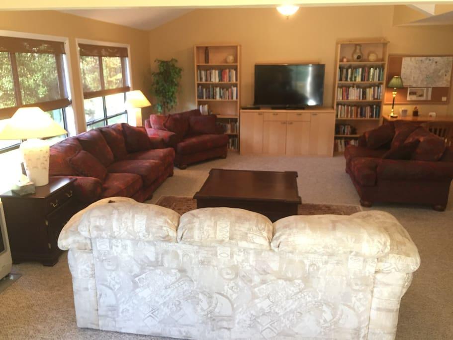 Main Living Room incl. Sofa Sleeper
