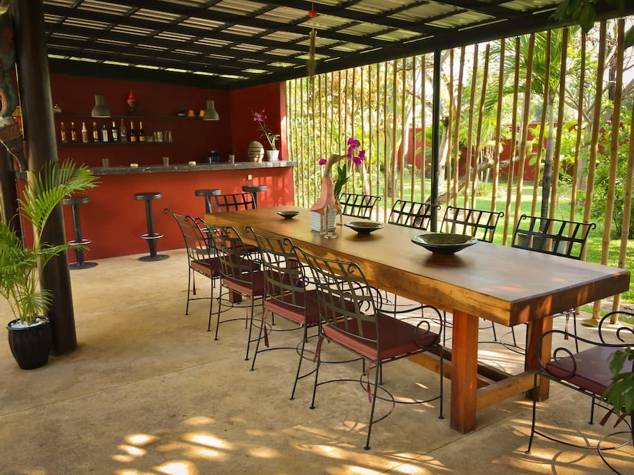 Beautiful 10 seater wooden outdoor dining table & bar