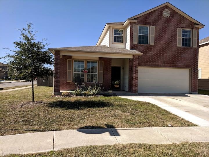 Spacious 2 story home in Selma, TX