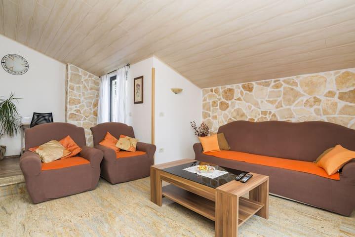 Eni APARTMENT for 4+2 person - Umag - Apartamento