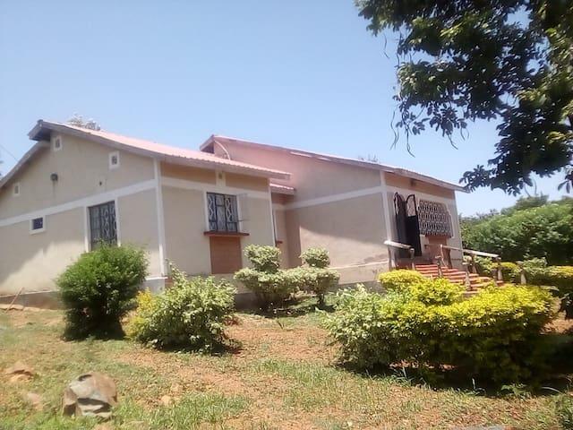 Suntons Villa