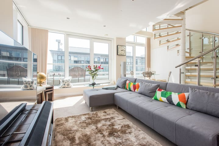 Double Room in ExCel Penthouse. - Londen