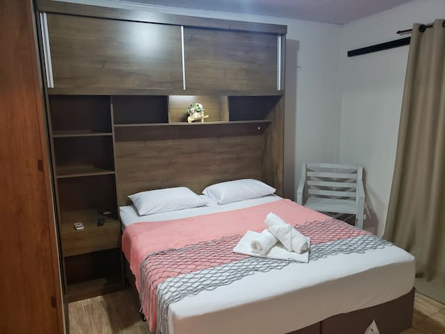 Quarto Queen 1km Beto Carrero - Conchas suites 07